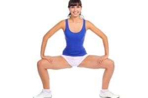 Squat-esercizi-gambe-e-glutei