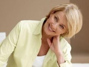 mujer con menopausia feliz14